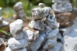 Budhhist-stone-piles-mcleodganj